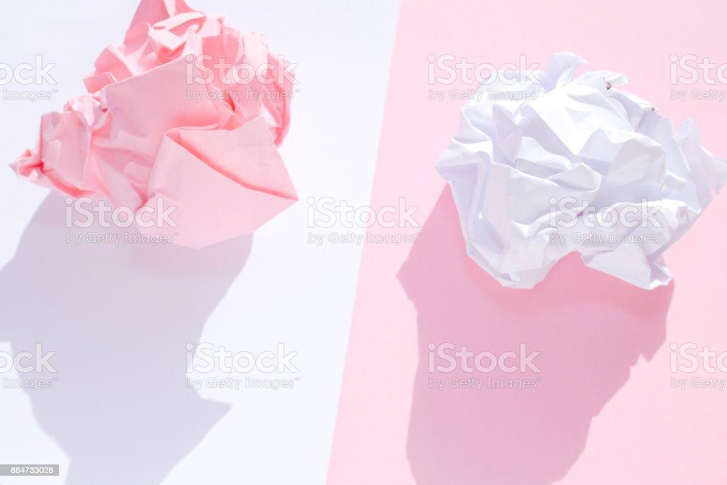Rose et blanc froissé papiers - Photo