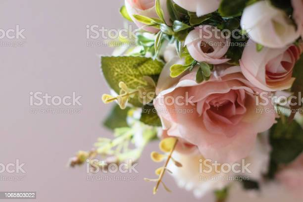 Pink and white rose wreath picture id1065803022?b=1&k=6&m=1065803022&s=612x612&h=9yafkoabeyxug5pbpehwse19rqft rytdejvwr rmxe=