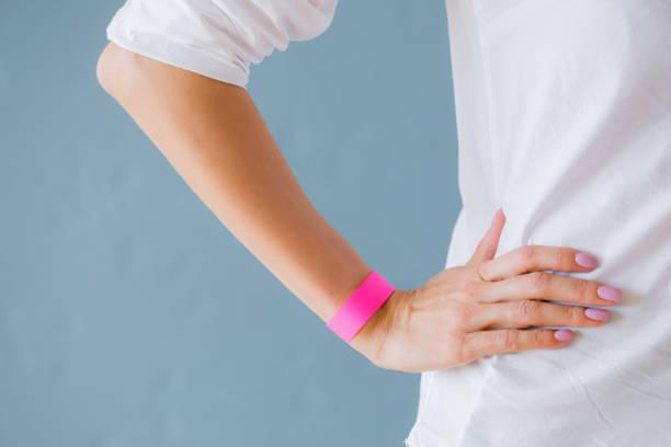 pink armband armband armband, vorlage für ihr design - armband i gummi stock-fotos und bilder