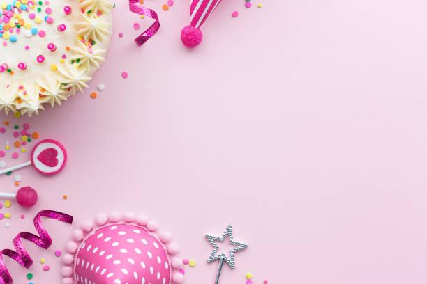rosa geburtstag hintergrund - einladungskarten kindergeburtstag stock-fotos und bilder
