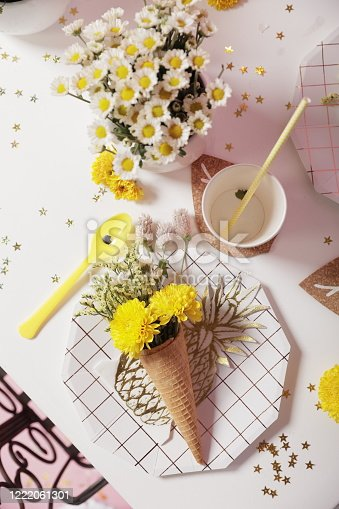 950793576 istock photo Pink birthday party decoration - Dinner table 1222061301