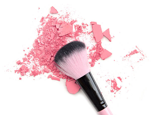 pink colored powder and beauty tool blusher - rouge stockfoto's en -beelden