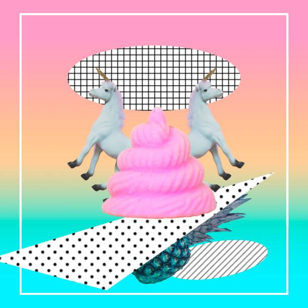 rosa emoji poo, zwei einhörner und ananas - pferdezeitschrift stock-fotos und bilder