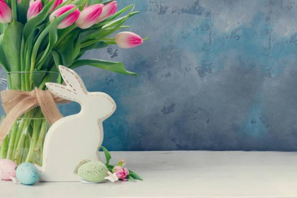 rosa tulipanes frescos - pascua fotografías e imágenes de stock