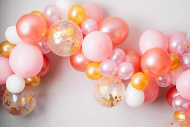 Guirnalda de oro rosa - foto de stock