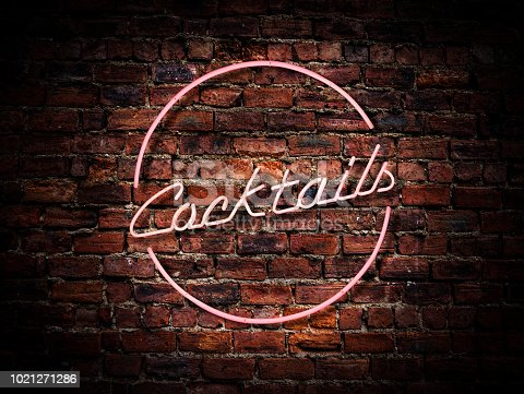 istock Pink Neon Cocktails Sign 1021271286