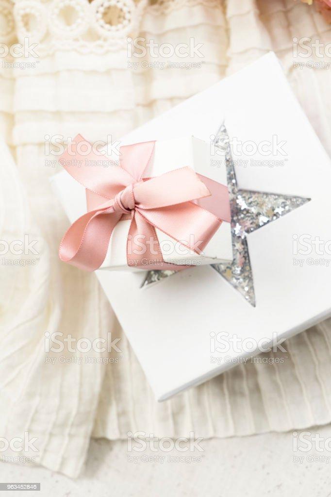 Pembe Gül çiçek - Royalty-free Beyaz Stok görsel