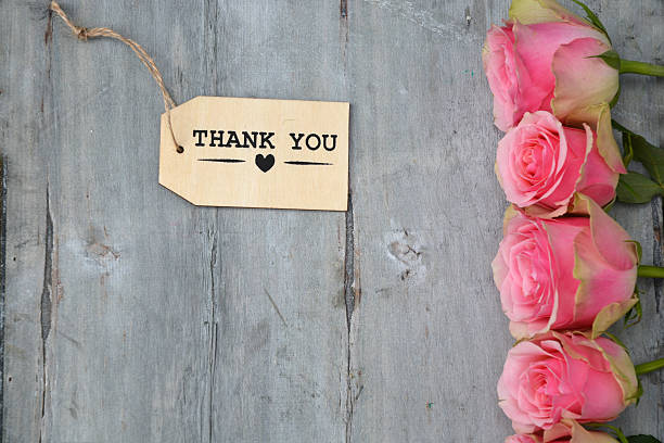 Pink roses on old wood and thank you tag label picture id480496172?b=1&k=6&m=480496172&s=612x612&w=0&h=yjvdaaijilcctysvjywwg o4fhkd1 mbpbf1xtayfbo=
