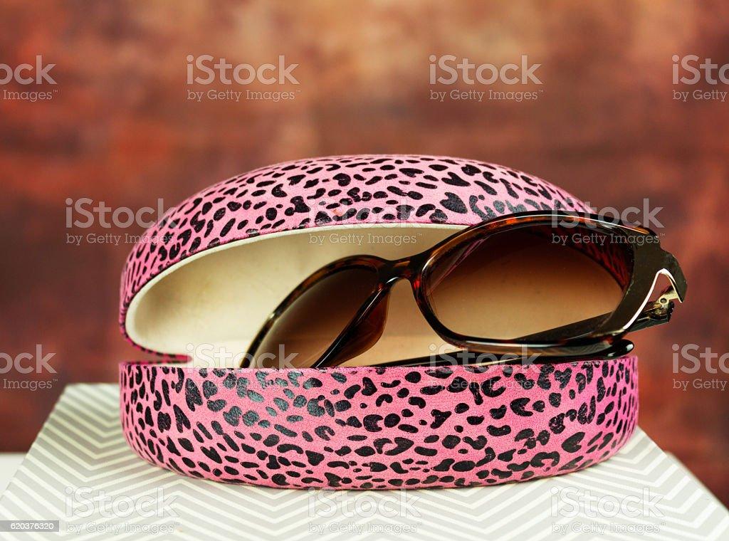 Różowe okulary przeciwsłoneczne przypadku zbiór zdjęć royalty-free