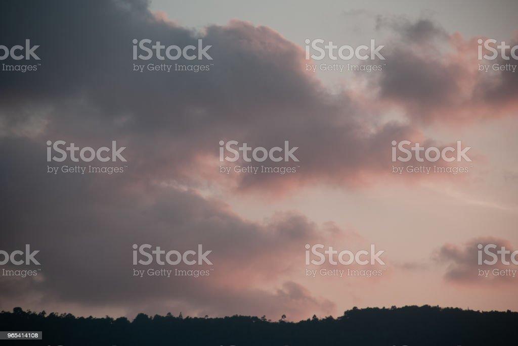 山上的粉紅色日落 - 免版稅地勢景觀圖庫照片