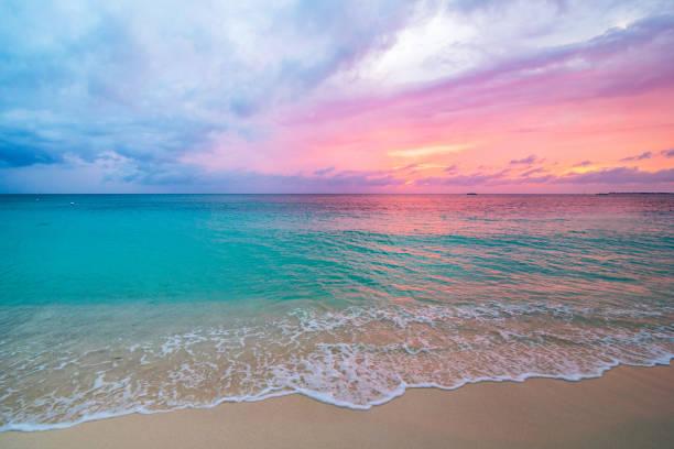розовый закат - sunset стоковые фото и изображения