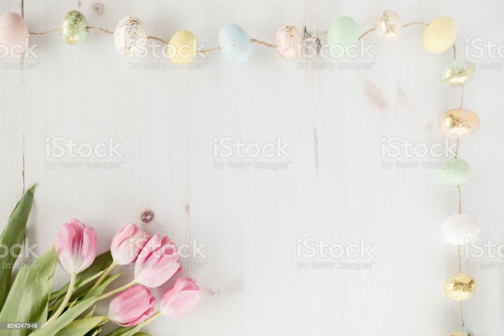 Rosa Tulpen und Eiern – Foto
