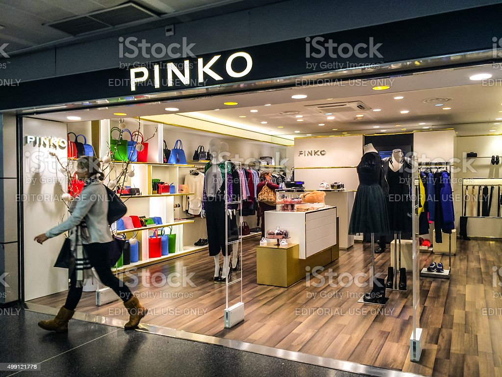 new concept 05791 67a66 Pinko Clothing Store At Linate Airport Milan Stock Photo ...