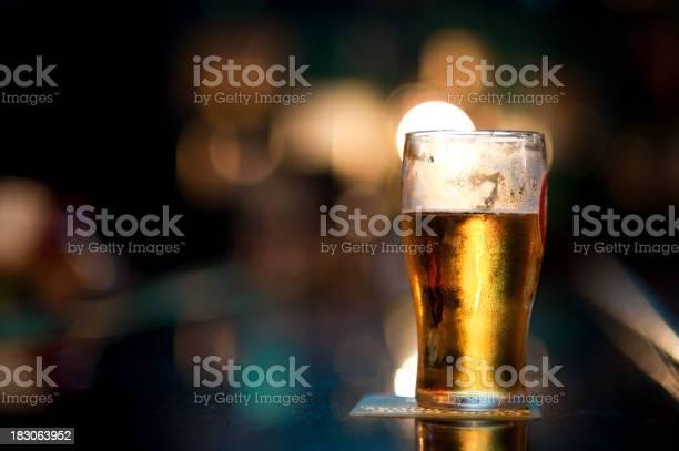 Pint of beer on bar picture id183063952?b=1&k=6&m=183063952&s=612x612&h=up59brb ad smpbaonmd9pf4sccnouwwmwmvxtr zyq=