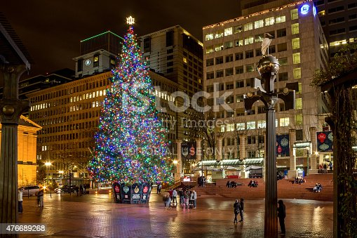 pioneer square christmas tree in portland oregon stock photo more pictures of celebration istock