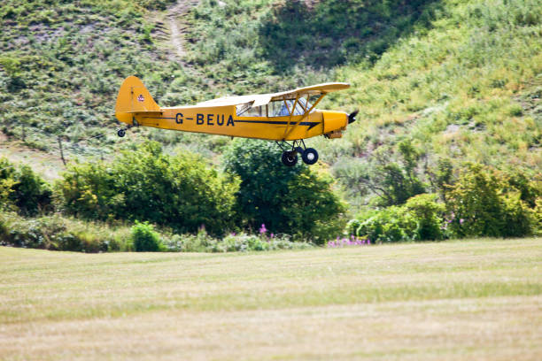 piper super cub, glider tug - stephen lynn stock pictures, royalty-free photos & images