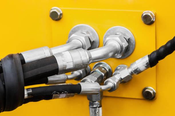 Rohre und das Hydrauliksystem des Traktors oder Bagger – Foto