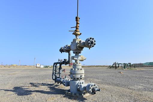 Leidingen En Ventielen Stockfoto en meer beelden van Benzine