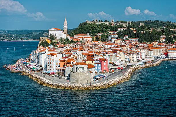 piran w języku słoweńskim coast - słowenia zdjęcia i obrazy z banku zdjęć