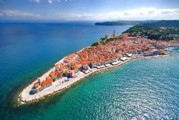 piran, slovenia (aerial view) - słowenia zdjęcia i obrazy z banku zdjęć