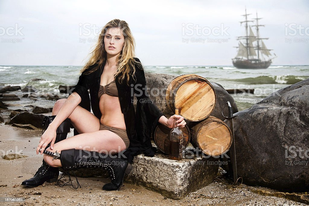 Sexy pirate girls