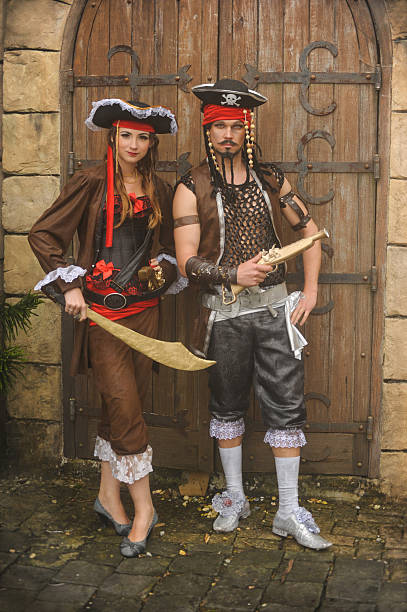 pirates pair pirates in search of its gold pirate criminal stock pictures, royalty-free photos & images
