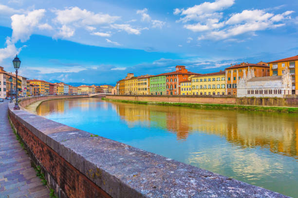 Pisa in Tuscany, Italy The church of Santa Maria della Spina in Pisa with the Arno River in Tuscany, Italy pisa stock pictures, royalty-free photos & images