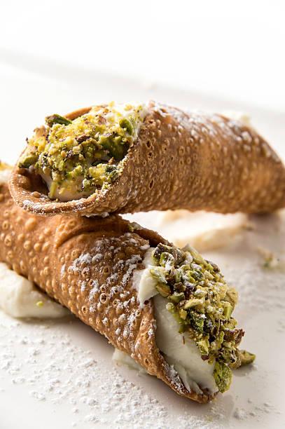 pistachio cannoli - 忌廉餅卷 個照片及圖片檔