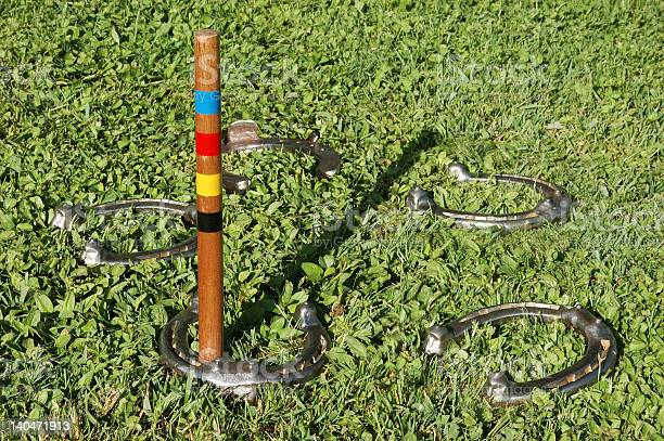 Pitching horseshoes picture id140471913?b=1&k=6&m=140471913&s=612x612&h=xb37 60q1njwz3dv6rwuk1hcm1duazejhqlamkwil5g=