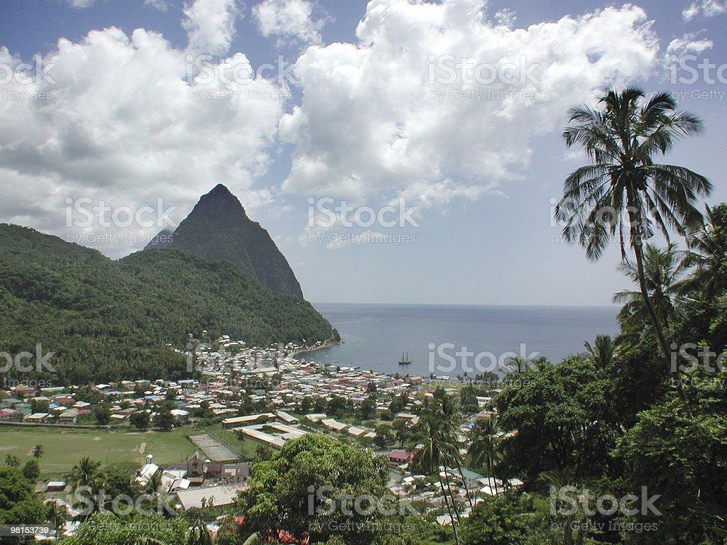 Monti Piton di Santa Lucia foto stock royalty-free