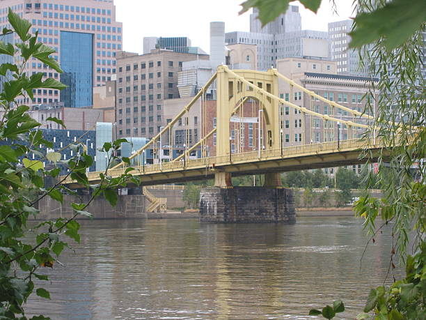 pittsburgh bridge downtown city bridge pittsburgh bridge stock pictures, royalty-free photos & images