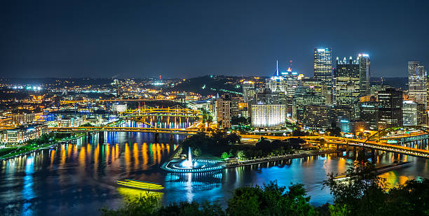 Pittsburgh - night view of point park and downtown Pittsburgh night view of point park and downtown pittsburgh stock pictures, royalty-free photos & images