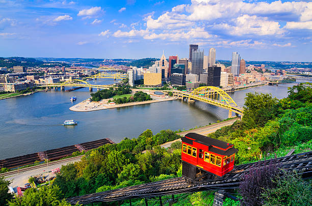 Pittsburgh Pennsylvania Skyline Pittsburgh, Pennsylvania, USA downtown skyline and incline. pittsburgh stock pictures, royalty-free photos & images
