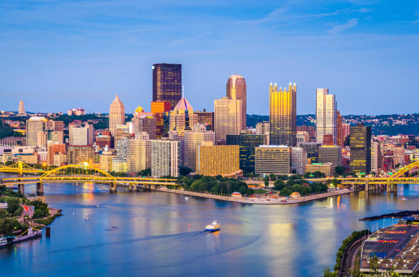 Pittsburgh, Pennsylvania, USA Pittsburgh, Pennsylvania, USA skyline at dusk. pittsburgh stock pictures, royalty-free photos & images