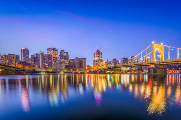 Pittsburgh, Pennsylvania, USA Pittsburgh, Pennsylvania, USA city skyline on the river. pittsburgh stock pictures, royalty-free photos & images