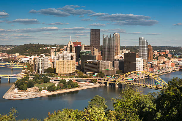 Pittsburgh Skyline Fort Pitt Bridge and Fort Duquesne Bridge over Allegheny River Pittsburgh Pennsylvania USA pittsburgh bridge stock pictures, royalty-free photos & images