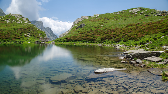 Piuro Sondrio Lombardy Italy June 29 2019 Lake Of Acquafraggia — стоковые фотографии и другие картинки Без людей