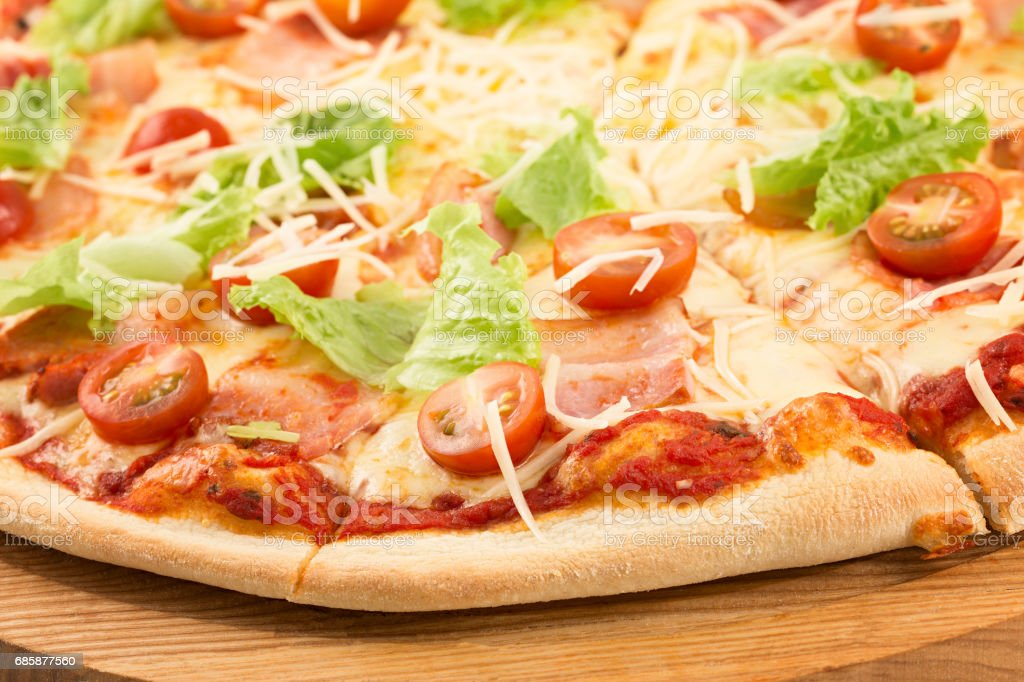 pizza mozzarella tomat