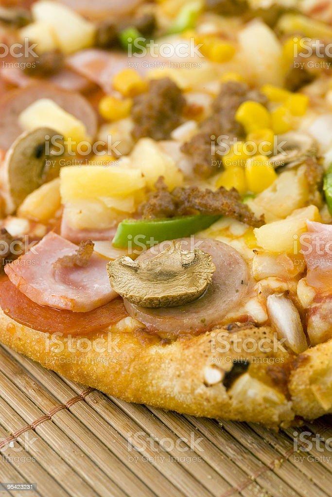 Pizza Nahaufnahme, Fokus auf den Pilz Lizenzfreies stock-foto
