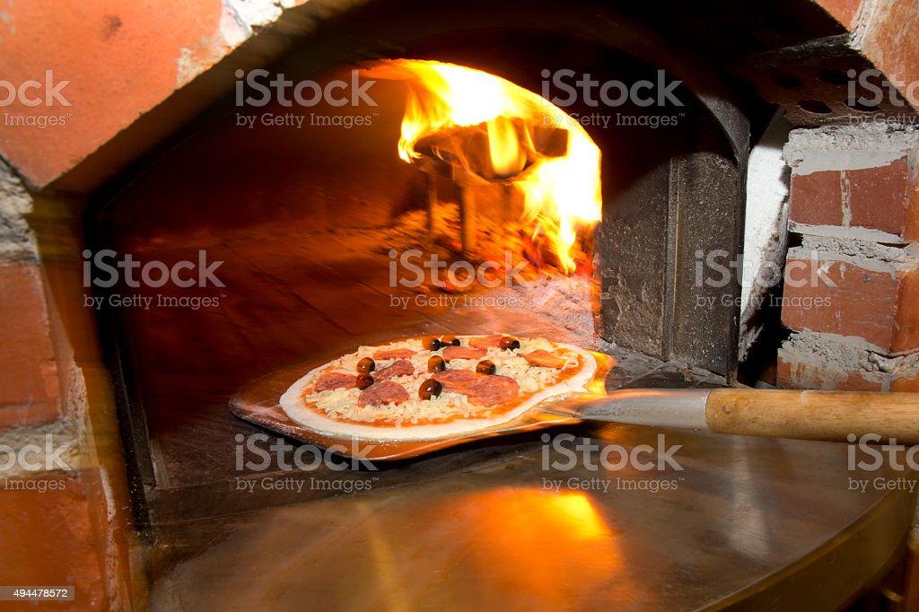 Pizza mit dem Ofen – Foto