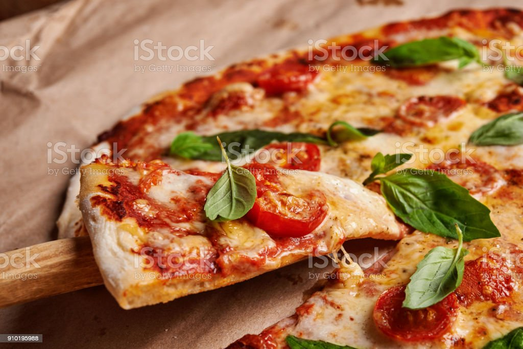 pizza margarita stock photo