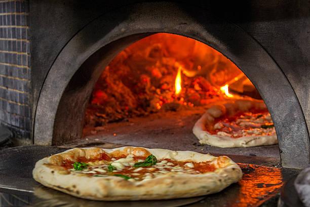 pizza oven in napoli - neapel stock-fotos und bilder