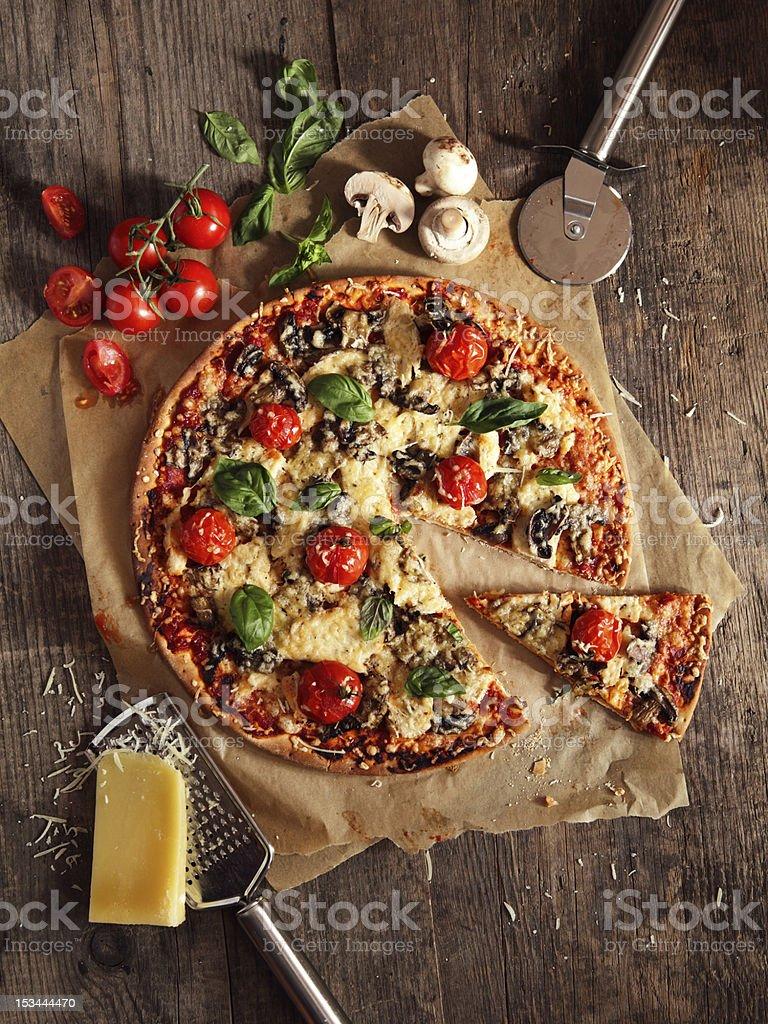 Pizza Stockfoto 153444470 | iStock