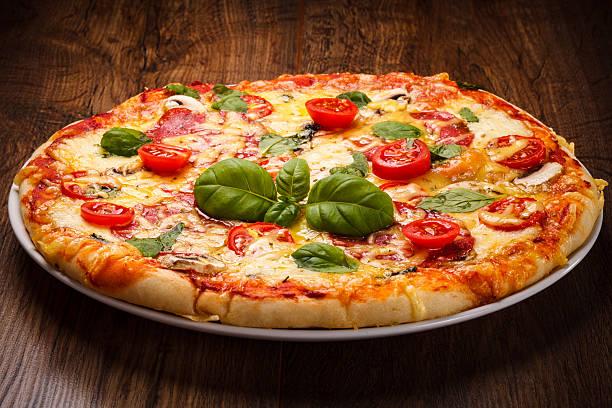 ピザ - ピザ ストックフォトと画像