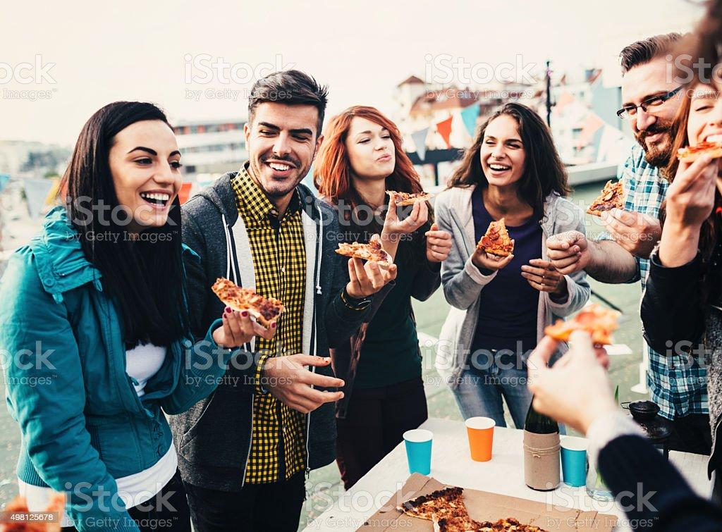 Pizza tempo na cobertura - foto de acervo