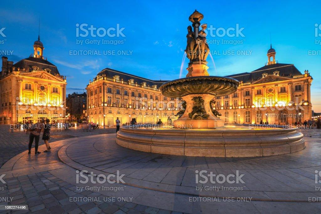 Place de la Bourse au crépuscule, Bordeaux, France - Photo