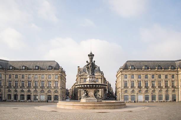 Place de la Bourse, Bordeaux Beautiful classic buildings at Place de la Bourse, Bordeaux. bordeaux stock pictures, royalty-free photos & images