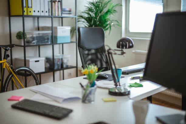 工作地點 - 小型辦公室 個照片及圖片檔