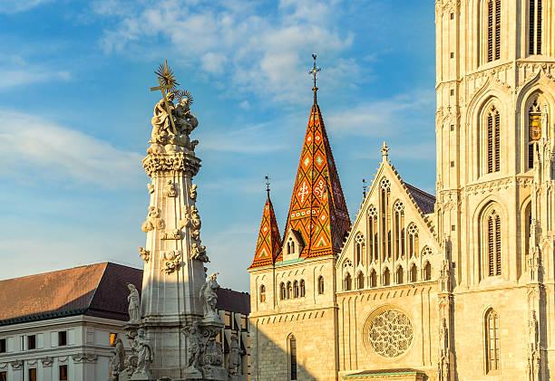 伝染病列にマーチャーシュ教会のブダペスト - マーチャーシュ教会 ストックフォトと画像