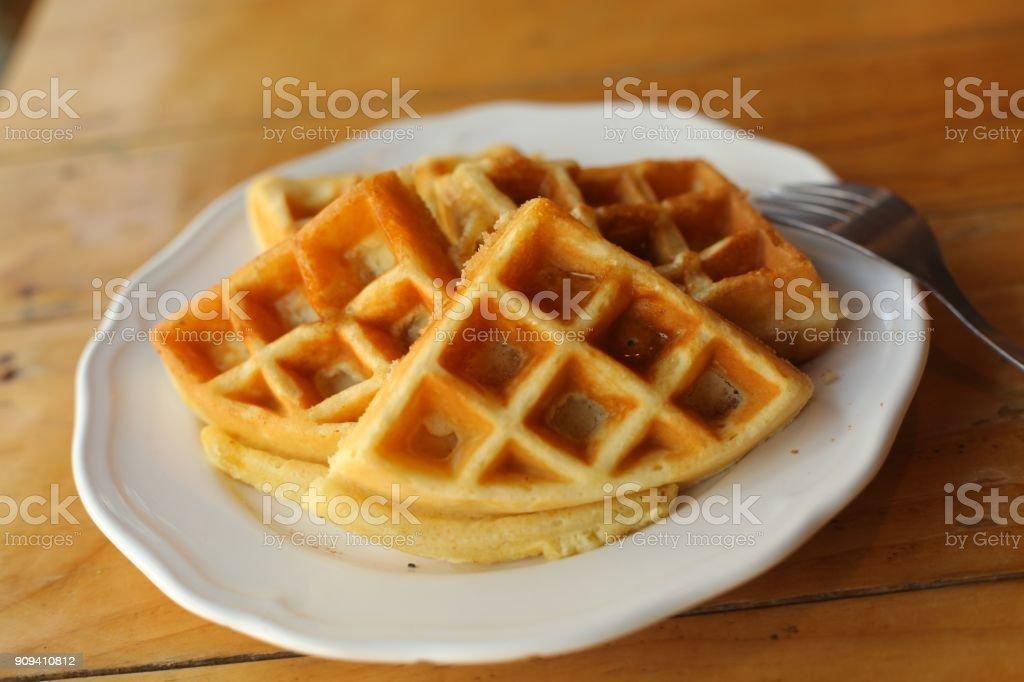 gaufres plaines servi sur plaque pour le petit déjeuner bouchent les albums photo - Photo